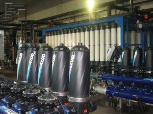 Два дисковых фильтра AZUD Helix 205/6 FX и система ультрафильтрации Norit